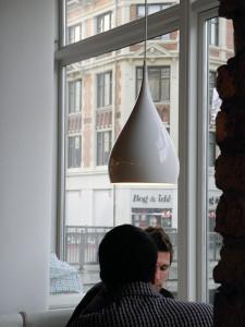 あたたかいコーヒーとともに  Spinning BH1 White, &Tradition